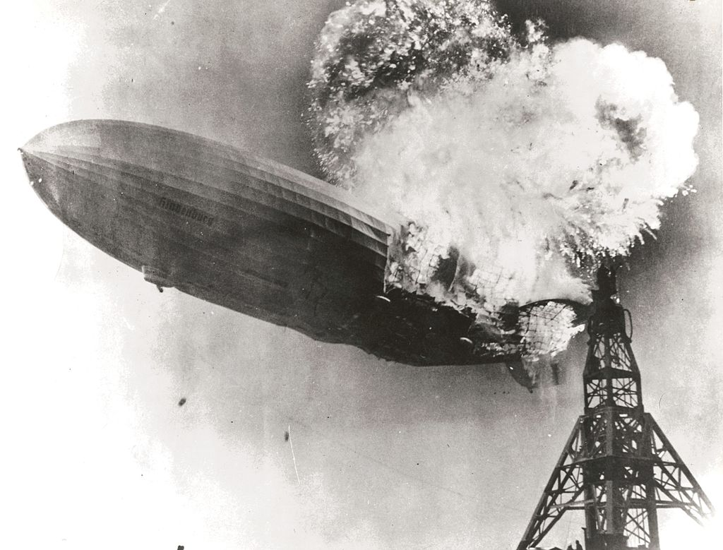 1024px-hindenburg_burning